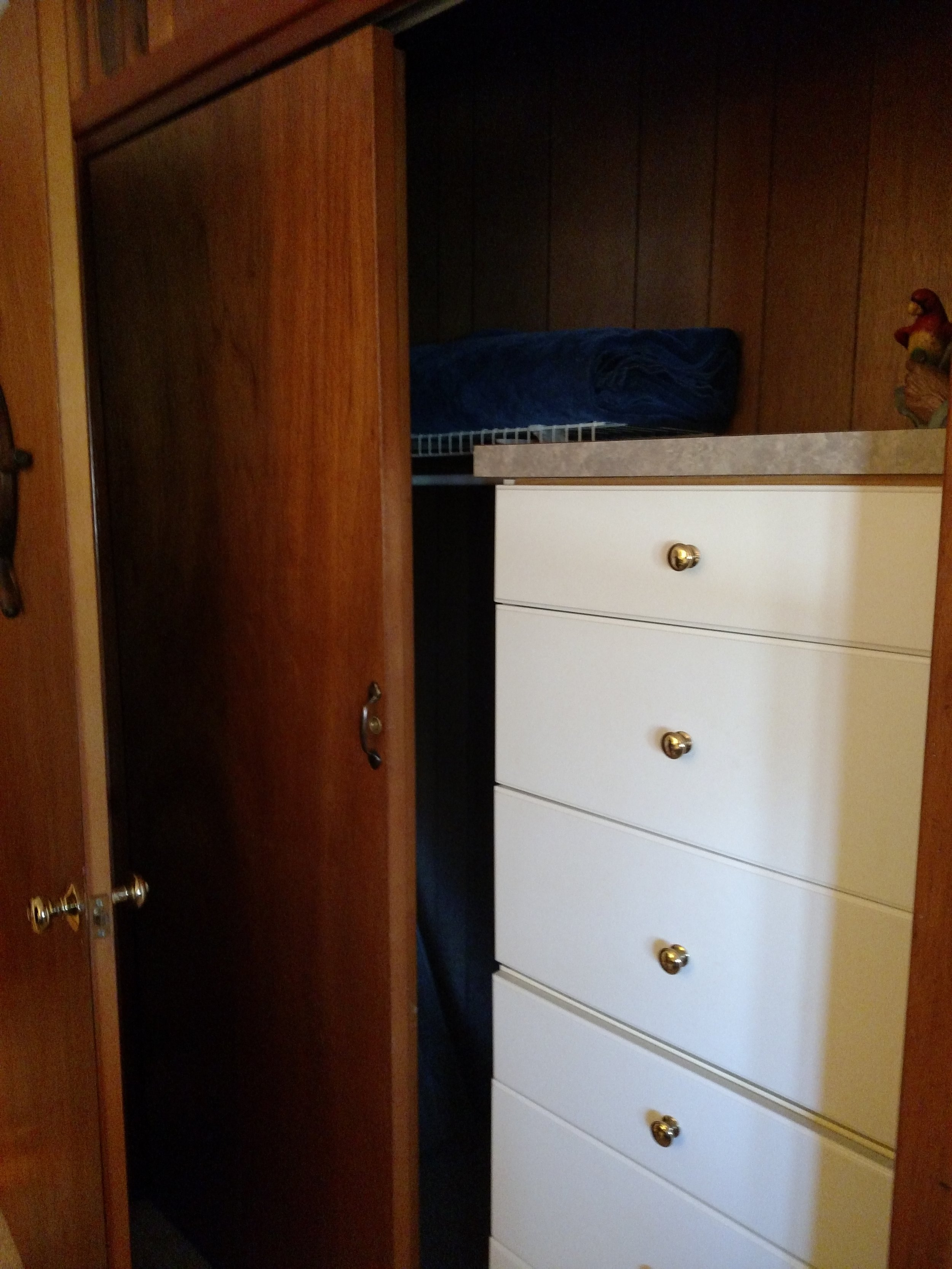 BEDROOM 1 CLOSET.jpg