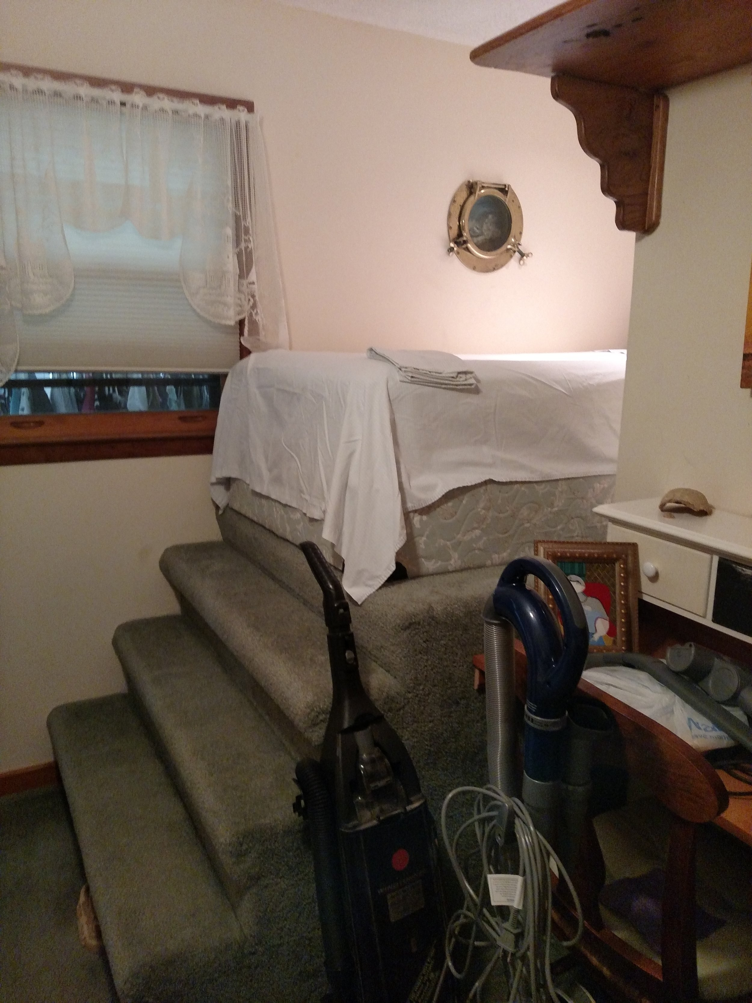 BEDROOM 4 RIDICULOUS TWIN BED, SHOULD OPEN TO BEDROOM 3 AND BE USED FOR A CLOSET OR THIS BED TAKEN OUT.jpg