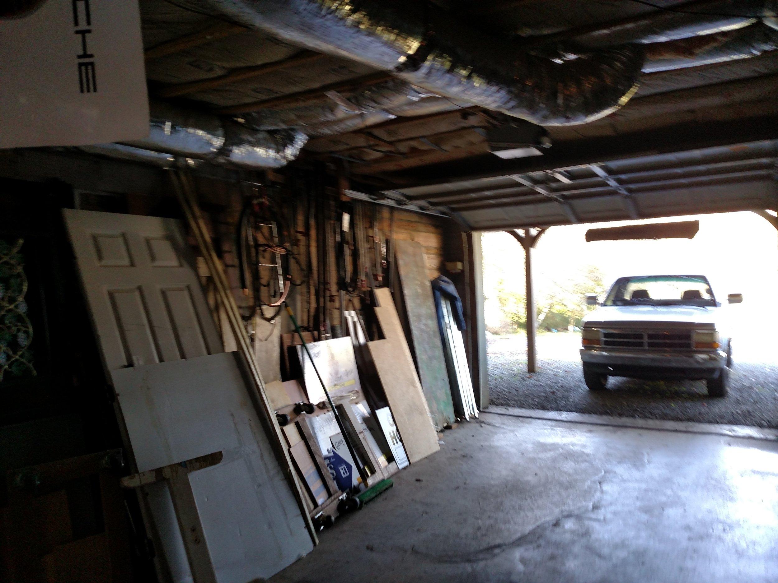 1 GARAGE NEXT TO OFFICE, STUDIO.jpg