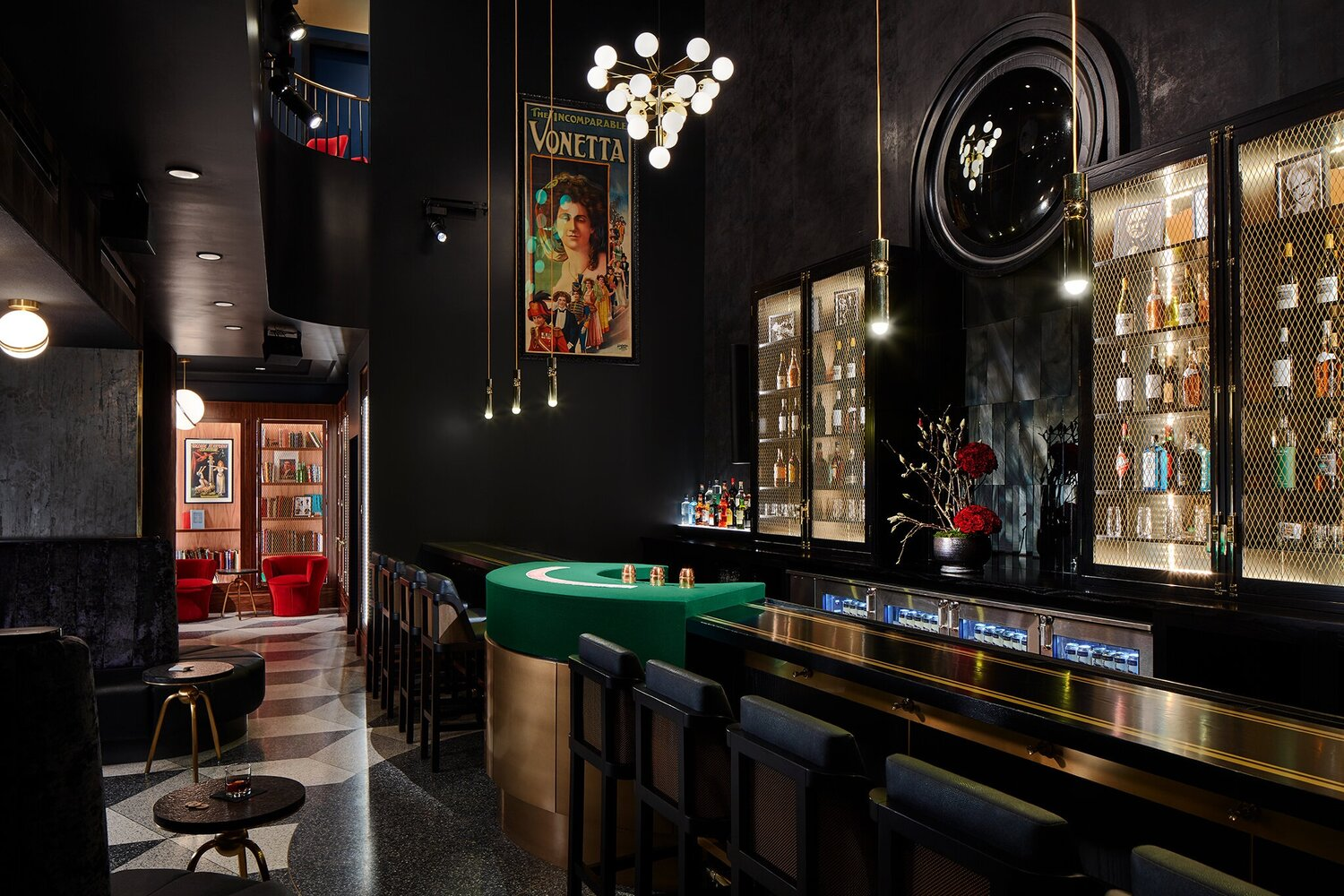 Performance Bar - Intimate Cocktail Lounge, PErfect for Smaller Gatherings