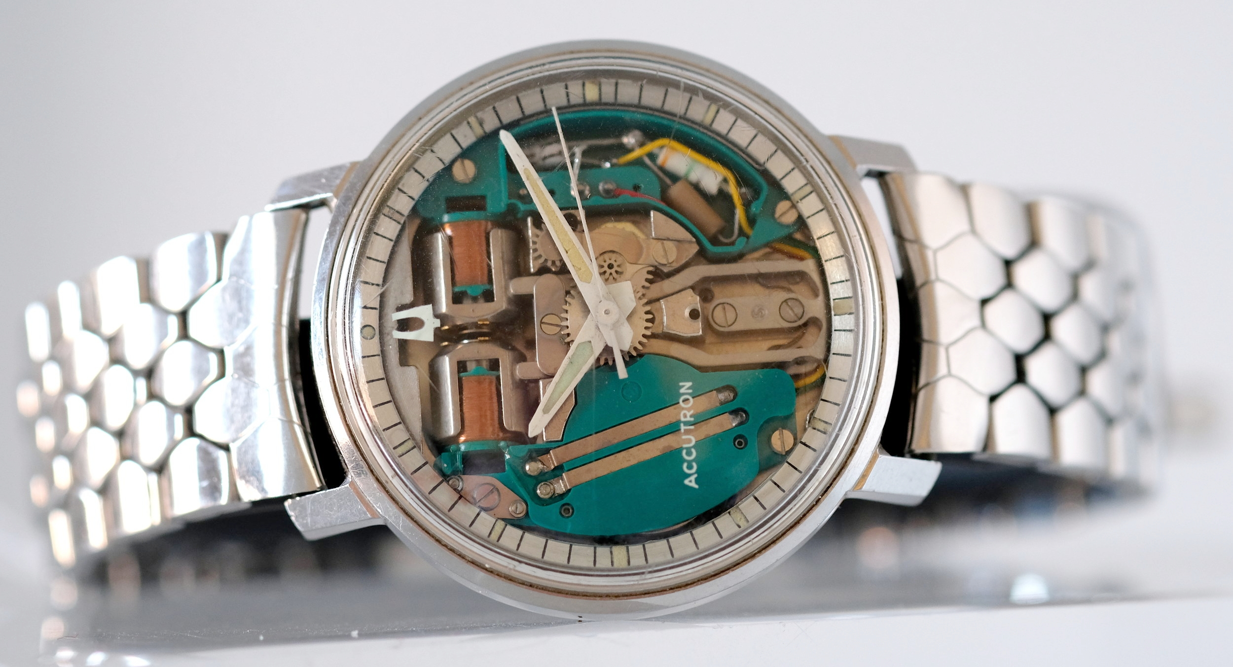 Bulova Accutron w/Box & Papers   SOLD