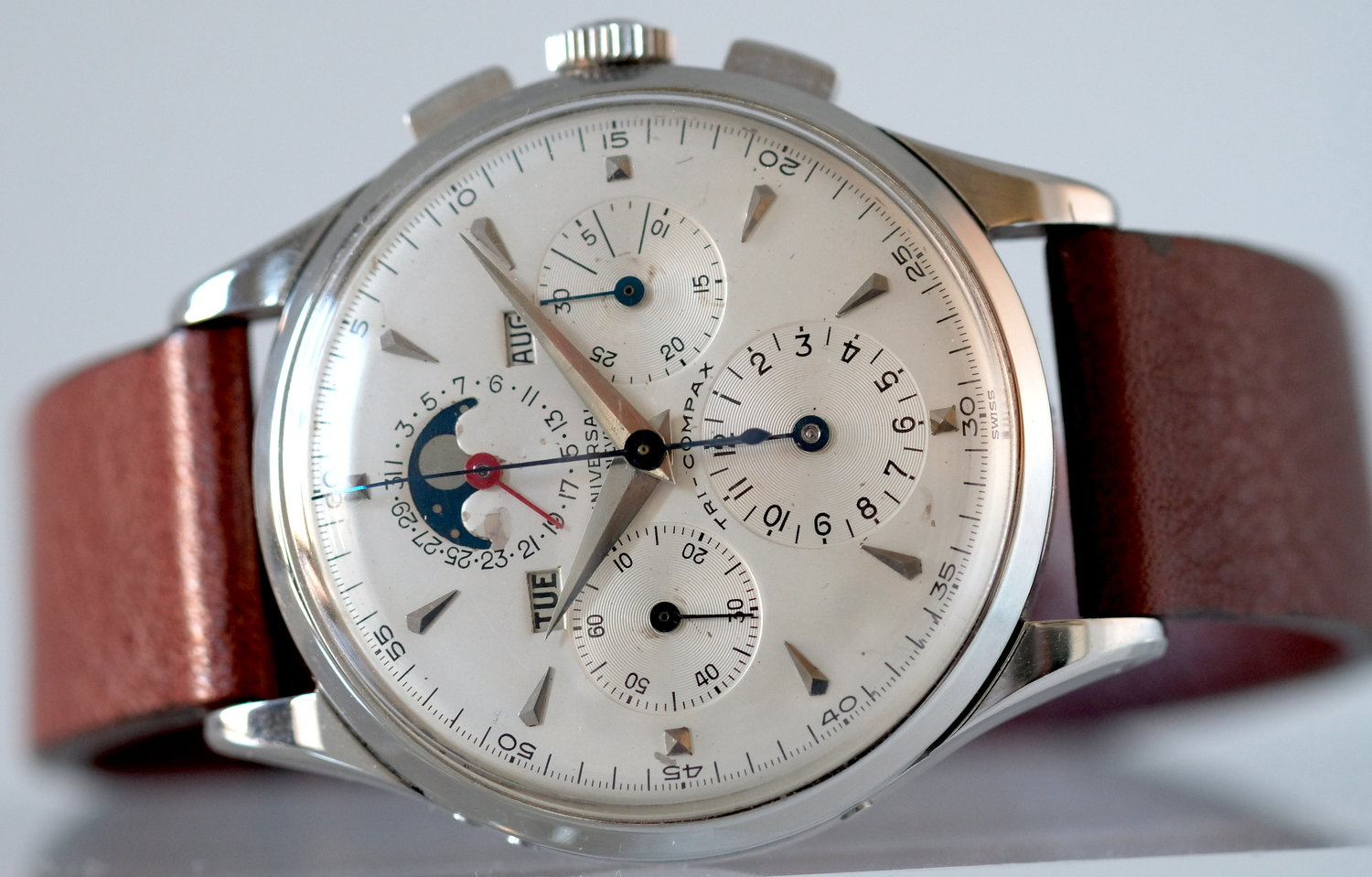 Universal Geneve Tri-Compax*  SOLD
