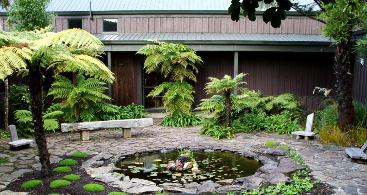 courtyard at te moata - mindfulness and qi gong retreat with rachel tobin