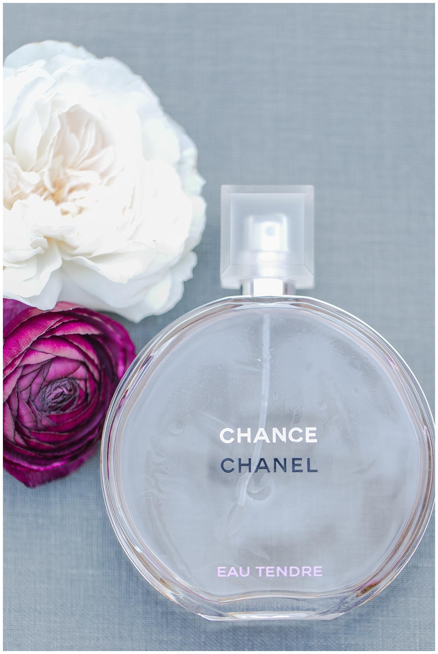 Borrowing this lovely bottle of perfume was Kori's something borrowed.