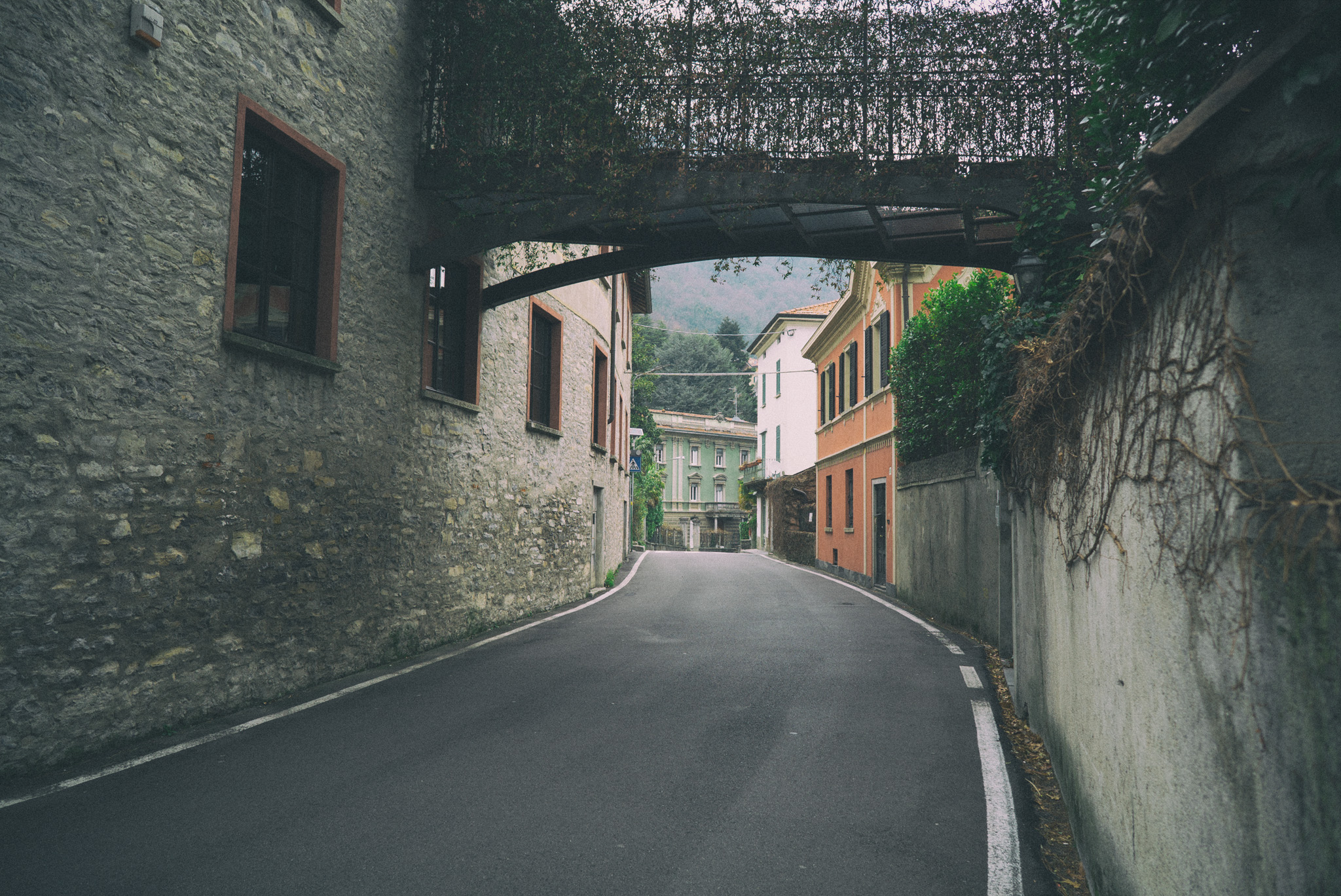 One of the many picturesque streets near Lake Como, Italy. f/4.0, shutter 1/60th, ISO 100.