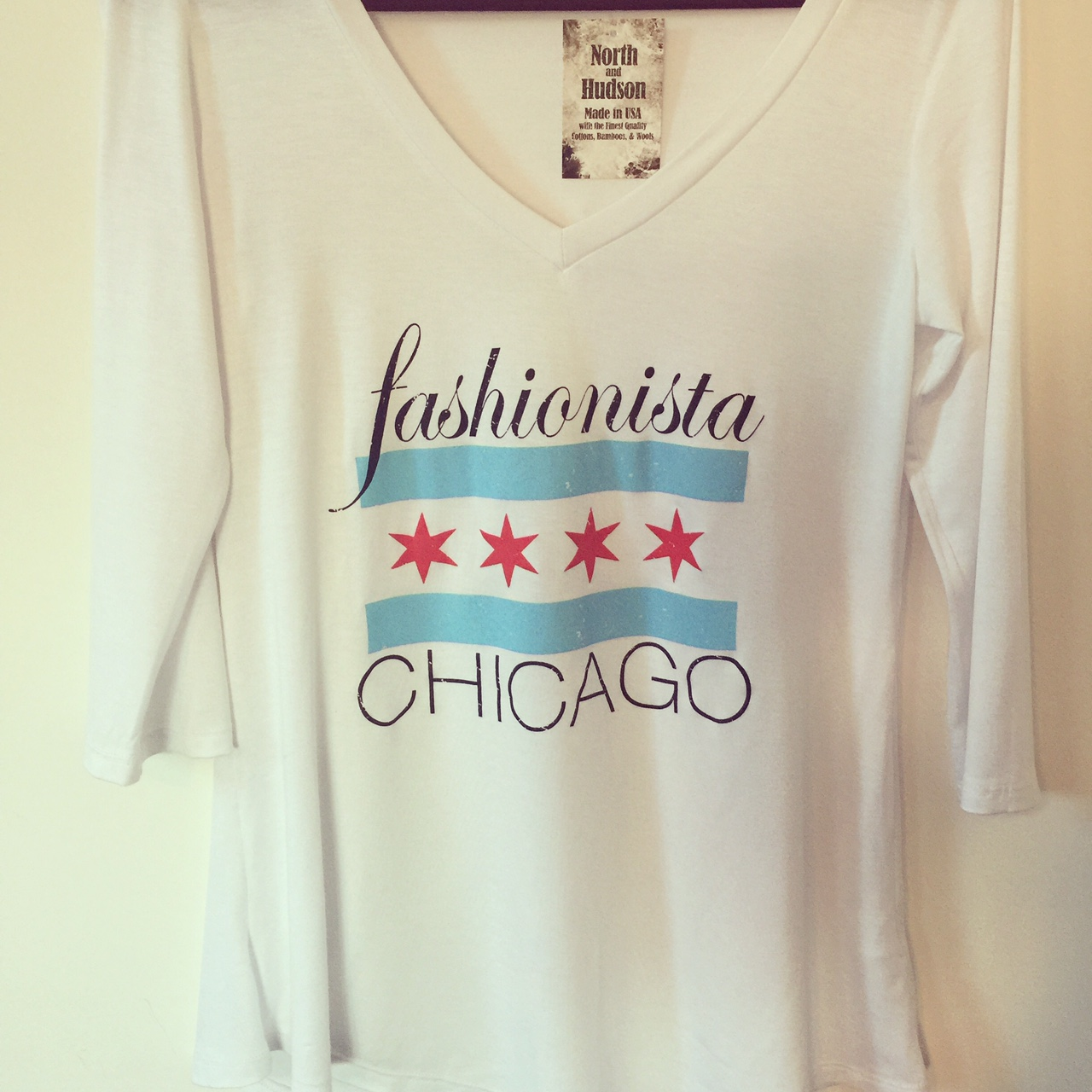 How cool is this   Fashionista Chicago   and   North and Hudson   T-shirt collaboration!  Get it here:  https://www.etsy.com/listing/225202683/chicago-flag-t-shirt-made-of-soft
