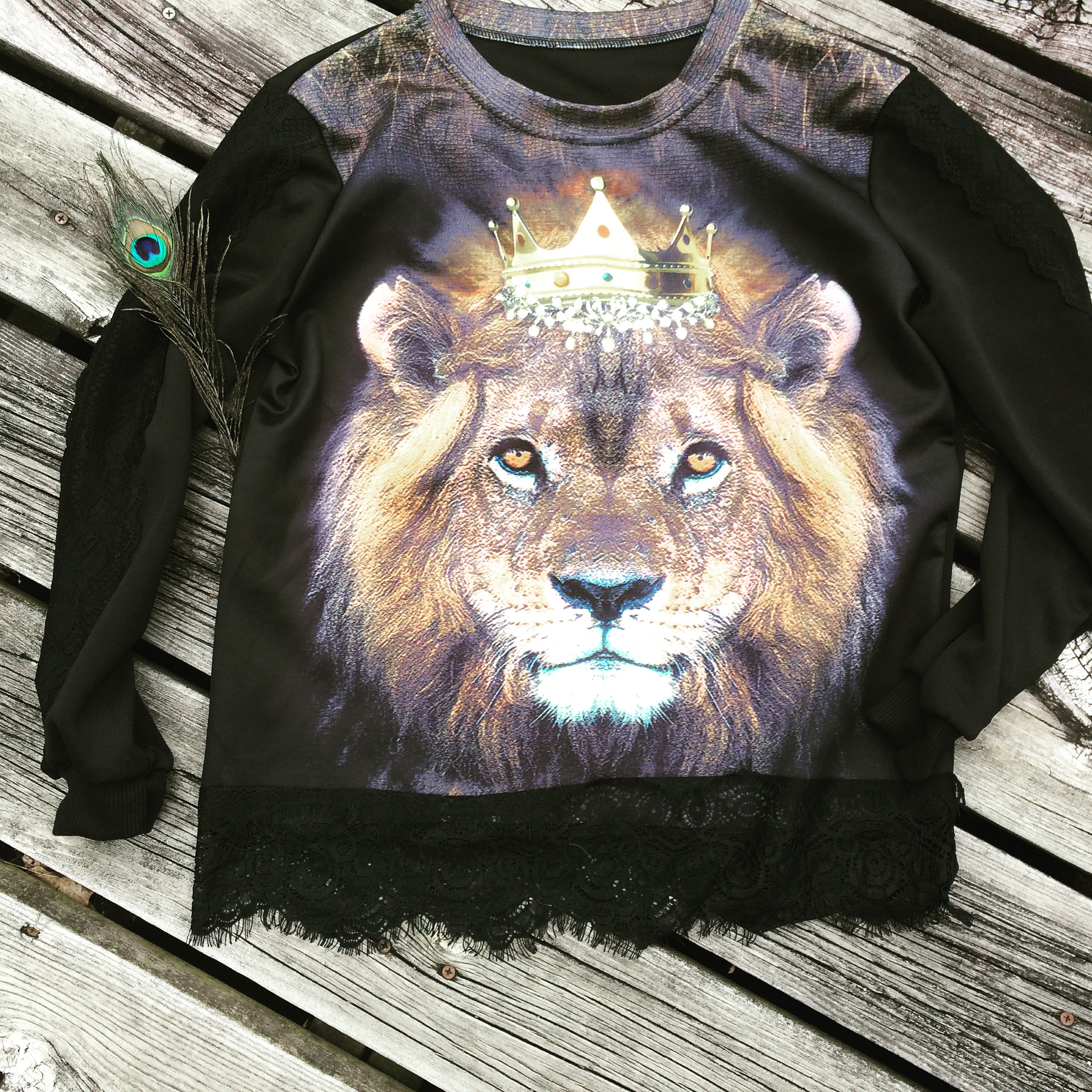 """As a girl who loves to online shop for myself and for my clients   Ima P. eacock   is an amazing option! The pieces are incredibly unique and super affordable. The two pieces I just had to style was the  blazer cape  and  lion long sleeve top !   About   What: Online store- street wear, urban, city chic """"Wear"""": Based in Chicago IL Why: To build a name and someday soon open a brick and mortor.  The best part about Ima P. Eacock online boutique is the prices. Everything is very reasonable and unique at the same time. I search high and low for trendy inexpensive pieces.    """"Like""""   or   """"Follow""""   them on social media!    https://www.facebook.com/Imapeacockchicago      https://instagram.com/ima_p._eacock/     *Shop Online and use code:    """"KSStyle15""""   for  15% off  your order   www.imapeacock.com        Stay Stylish Chicago,     Katie"""