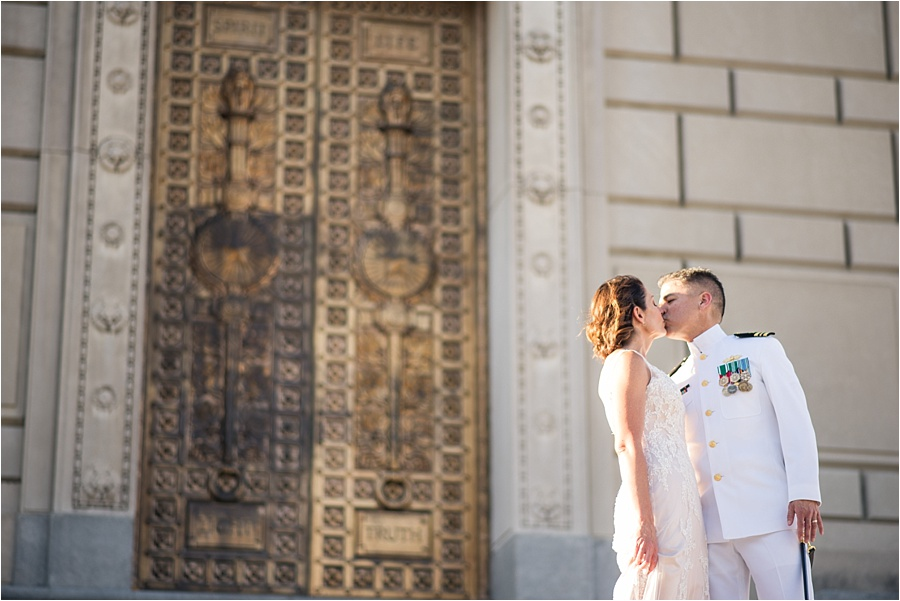 indiana-war-memorial-indianapolis-columbia-club-wedding-photographers_0751.jpg