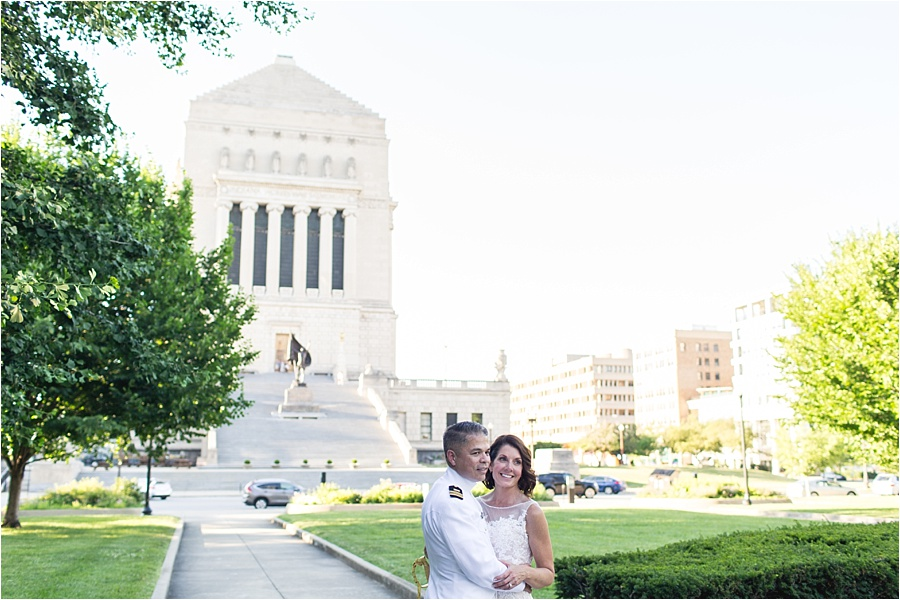 indiana-war-memorial-indianapolis-columbia-club-wedding-photographers_0754.jpg