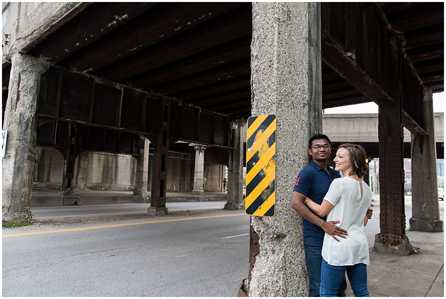 downtown-indianapolis-engagement-photographers_1176.jpg
