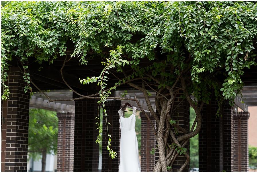 broad-ripple-indianapolis-wedding-photographers_1214.jpg