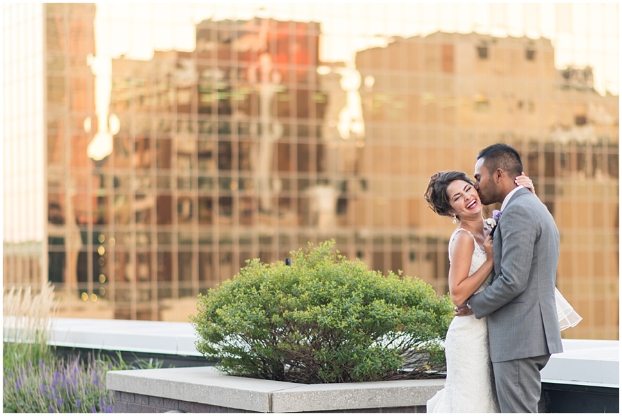 regions-tower-indianapolis-wedding-photographers_1460.jpg