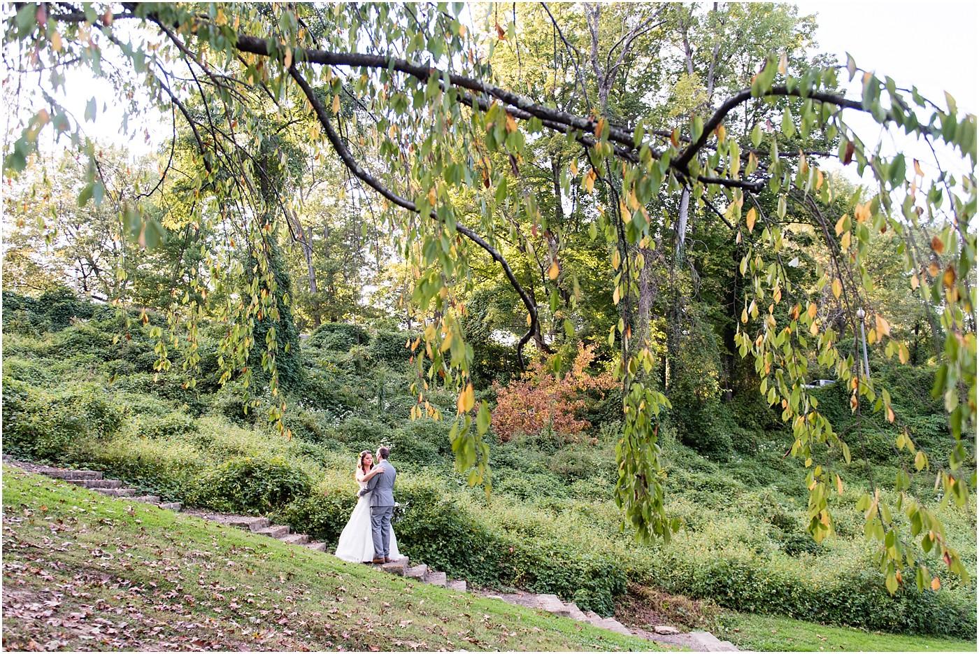 indianapolis-wedding-photographers-garden-terrace_1872.jpg