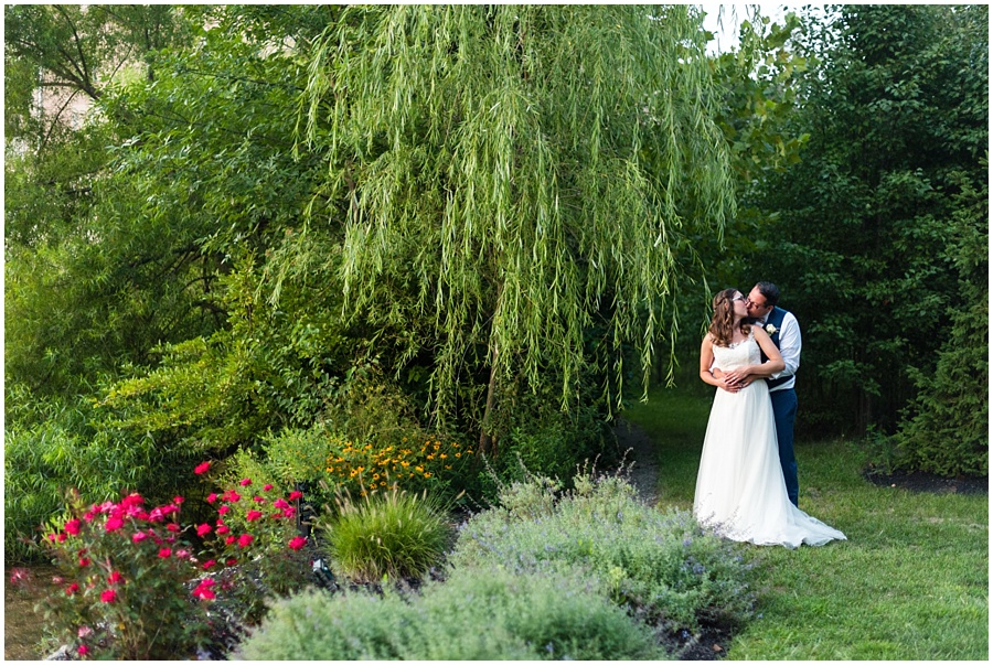the-willows-broad-ripple-weddings-photographers-indianapolis_3438.jpg