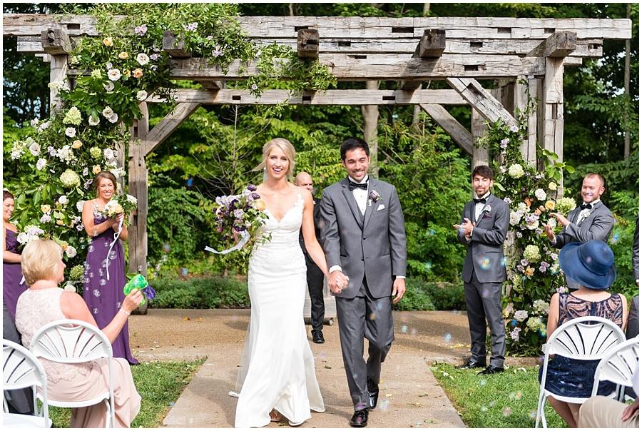 barn-at-bay-horse-wedding-indianapolis-photographers_3591.jpg