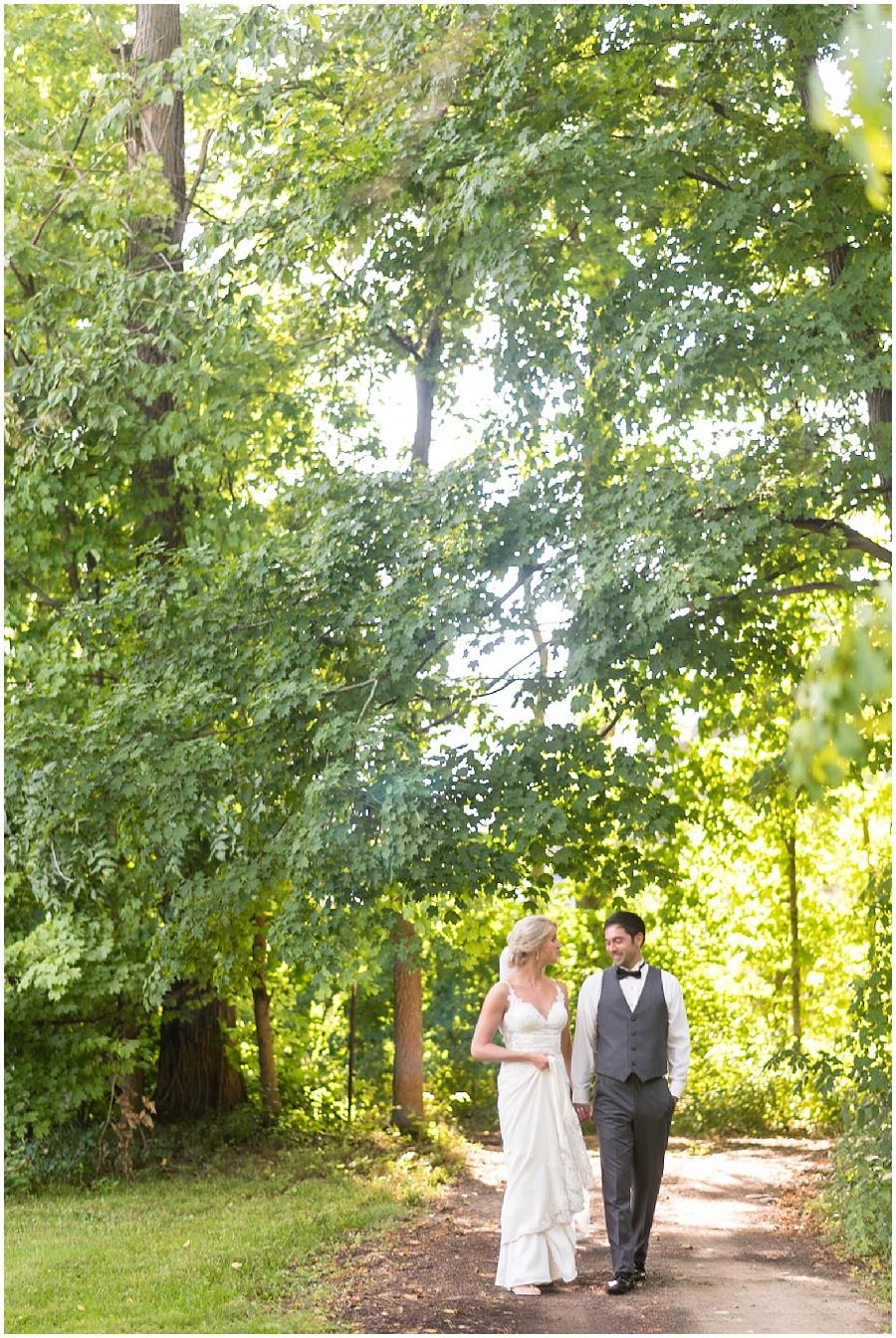 barn-at-bay-horse-wedding-indianapolis-photographers_3597.jpg