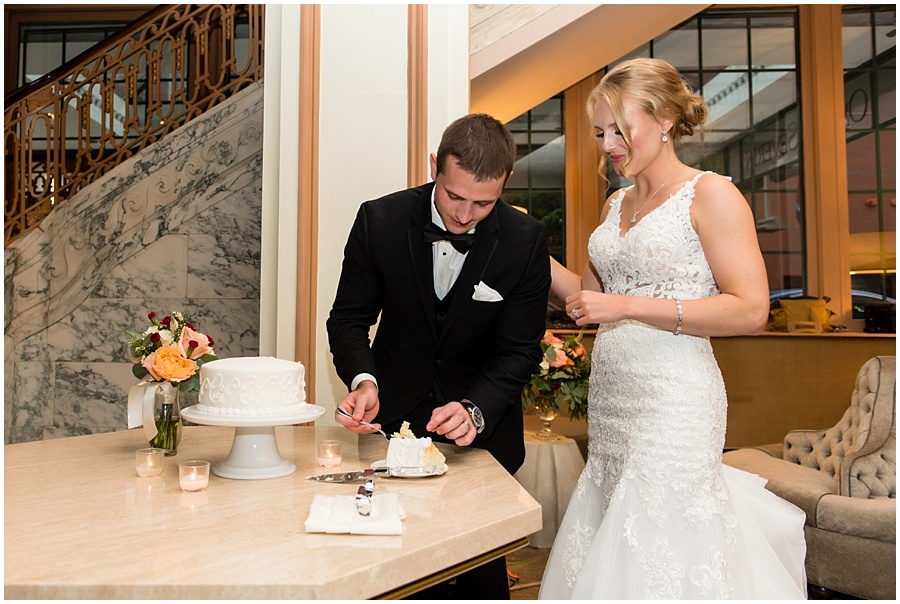 omni-indianapolis-st-john-wedding-photographers-indiana_3856.jpg
