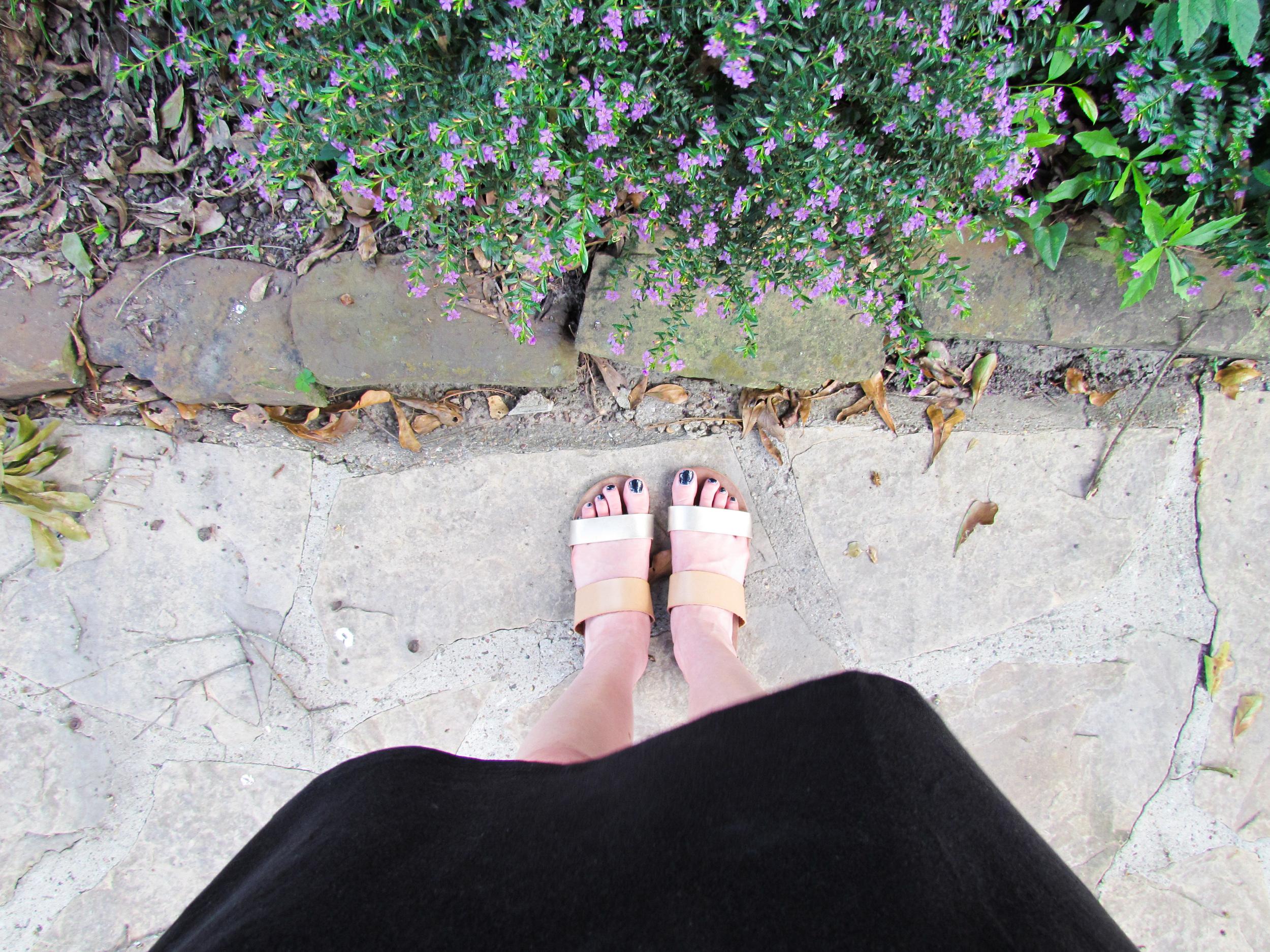LOFT Haul gold sandals