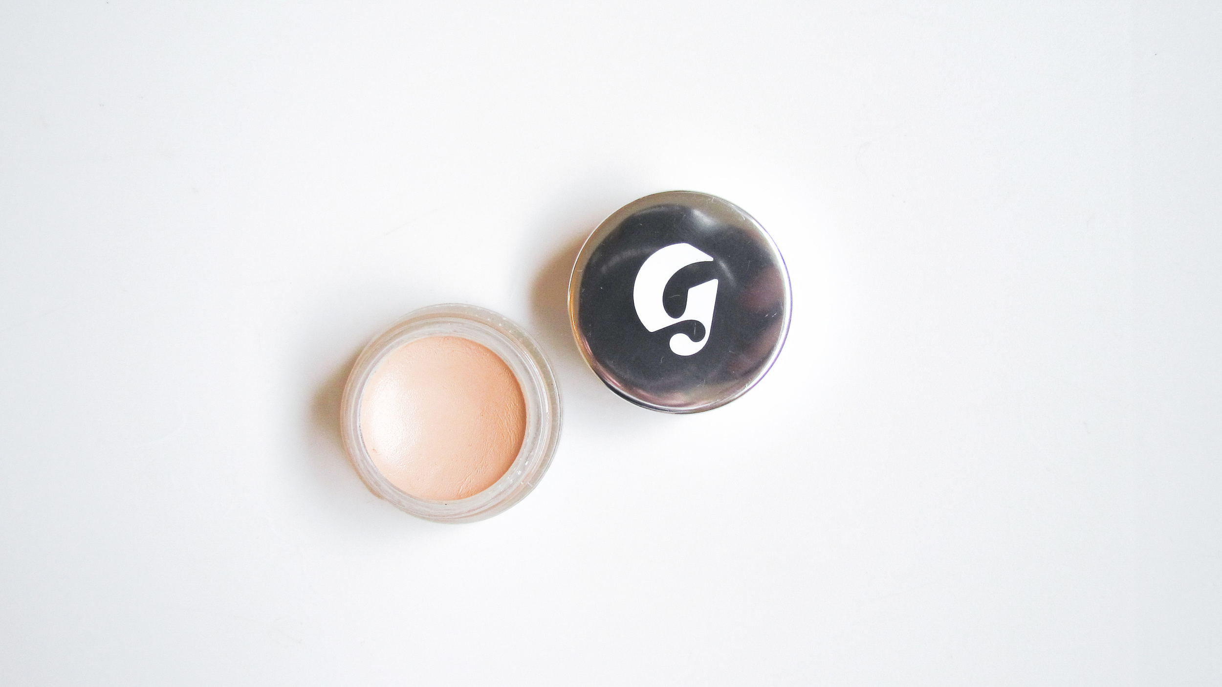 Glossier Stretch Concealer in Light 10 - Southern New Yorker
