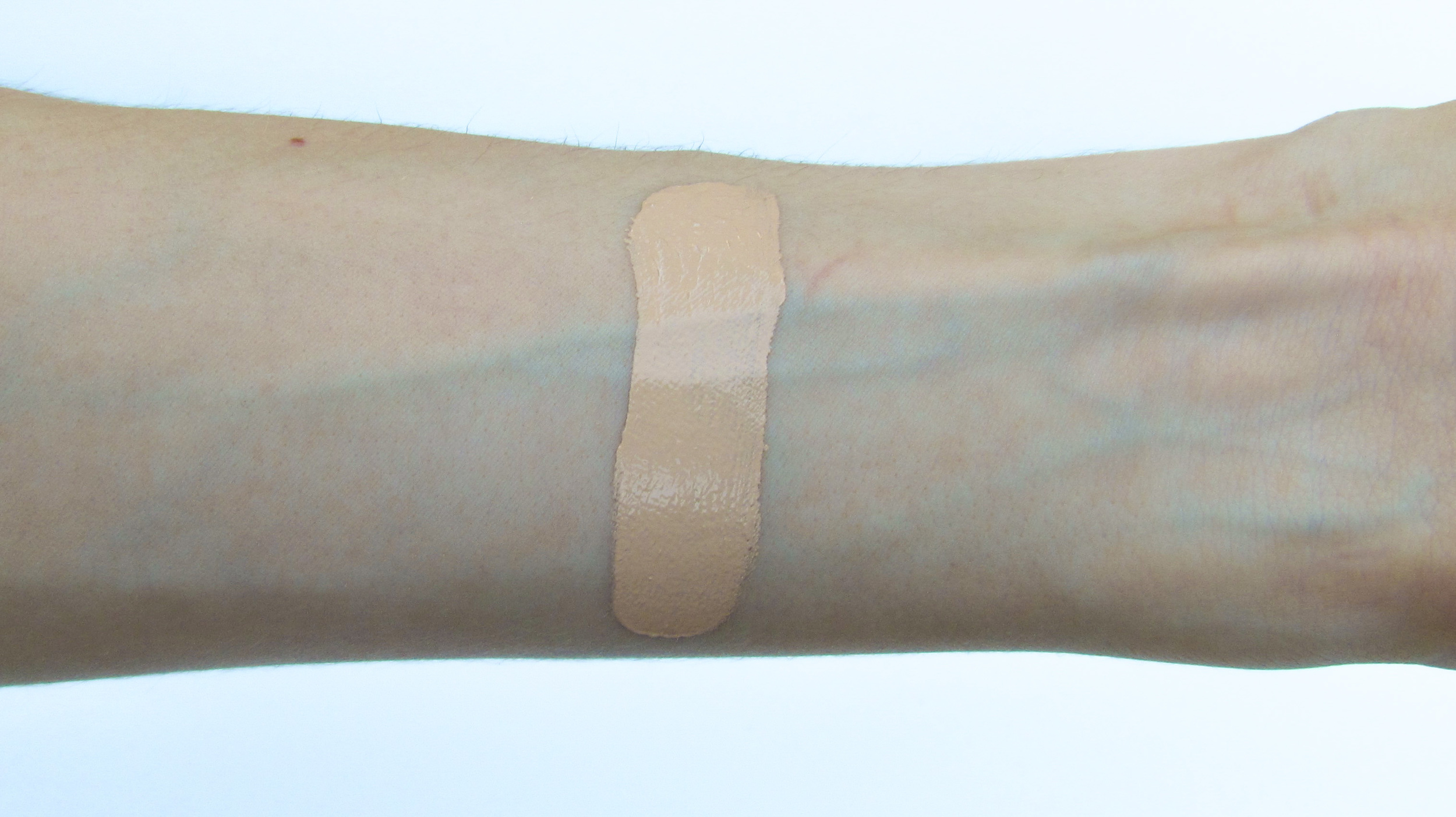CHANEL Les Beiges Healthy Glow Foundation Review - Southern New Yorker