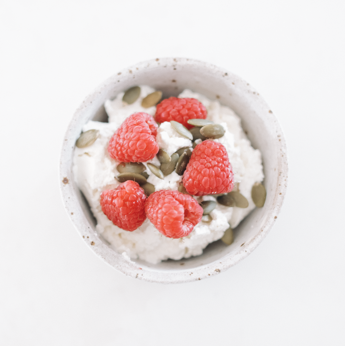 Cottage Cheese Bowl - 182kcal18g P / 8g F / 9g C