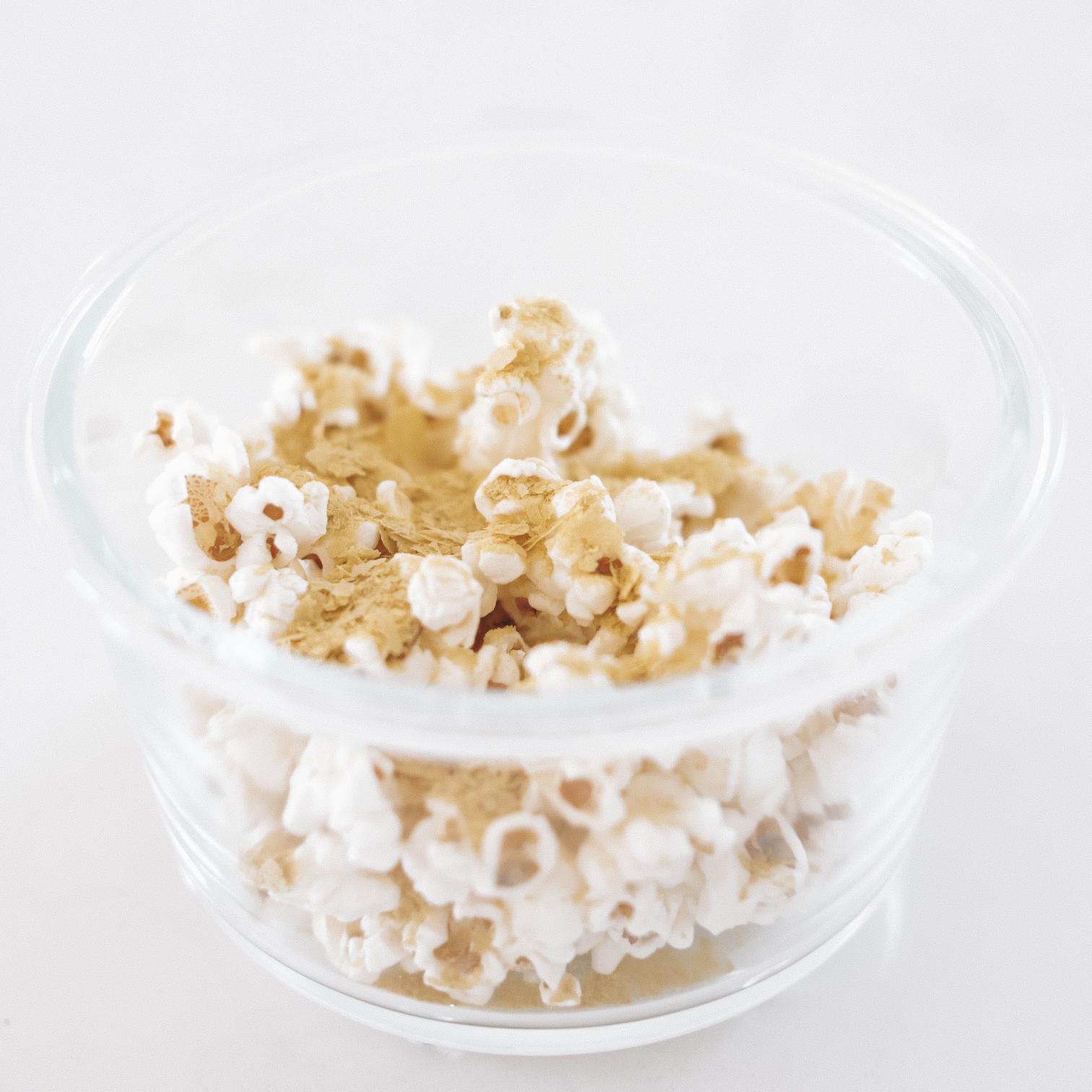Cheesy Popcorn - 179kcal12g P / 8g F / 13g C