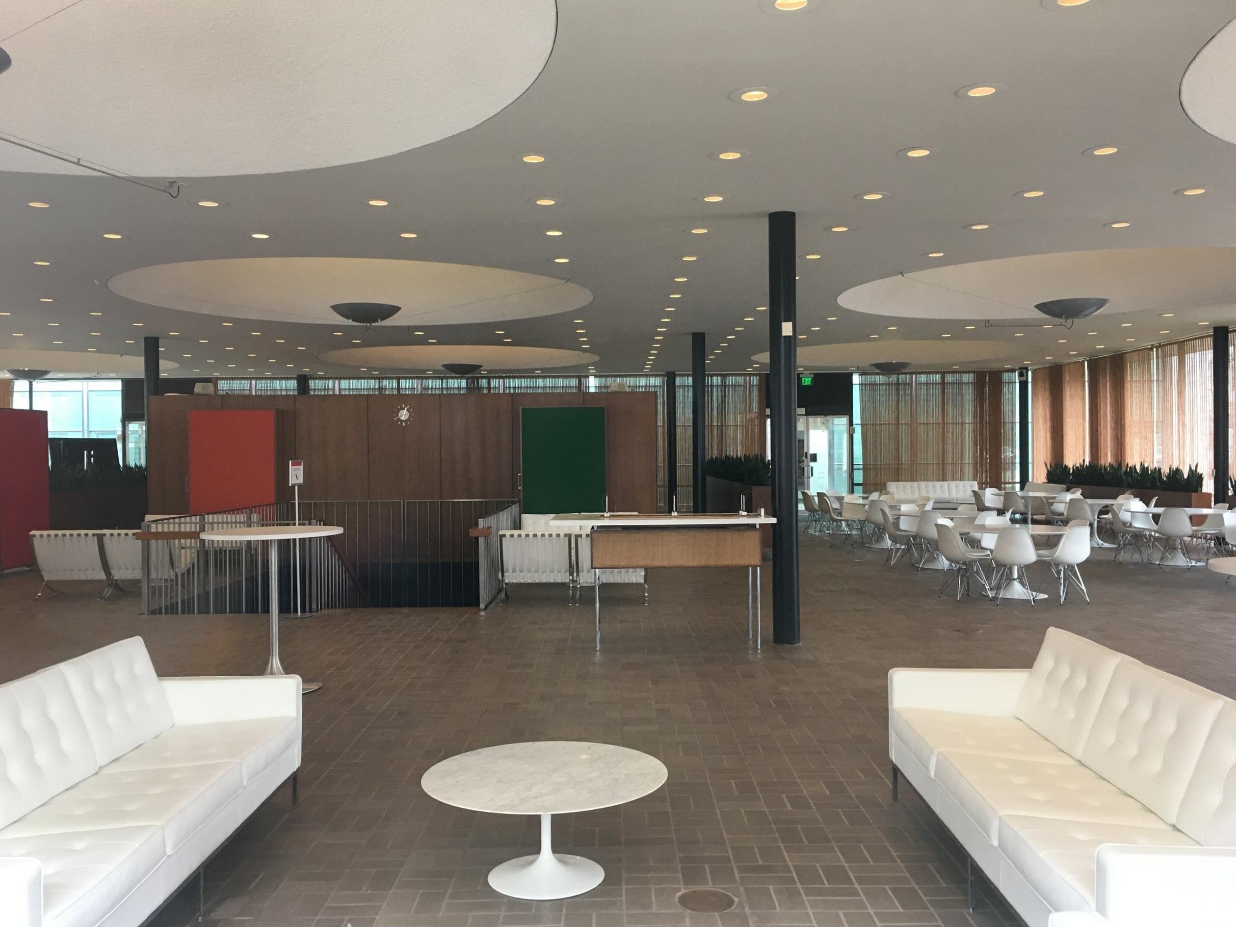 Eero Saarinen's Irwin Union Bank interior