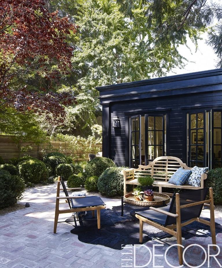 oakland-house-backyard-1489085773.jpg