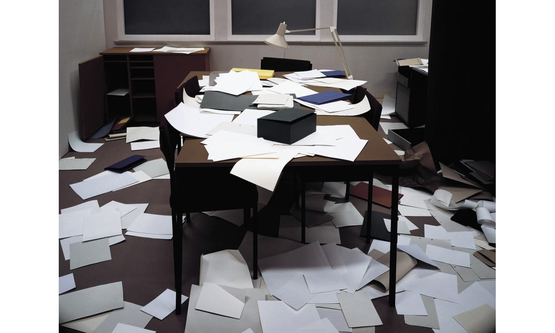 bureau-des-recommandations-thomas-demand-office.jpg