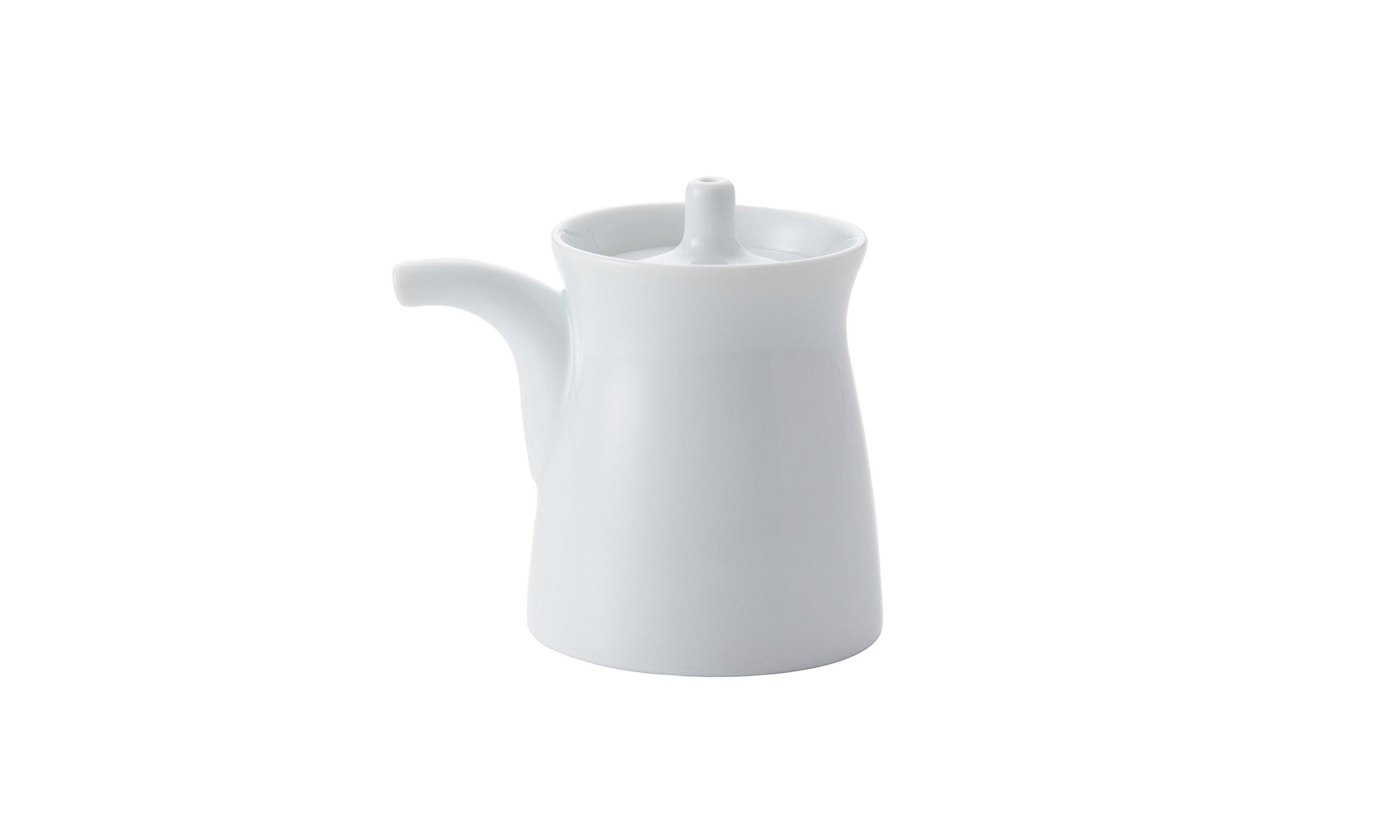 bureau-des-recommandations-soy-sauce-dispenser-hakusan-porcelain-masahiro-mori-g-type-bottle-white.jpg