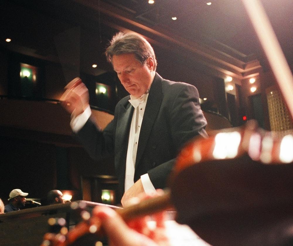 Robert Conducting.jpg