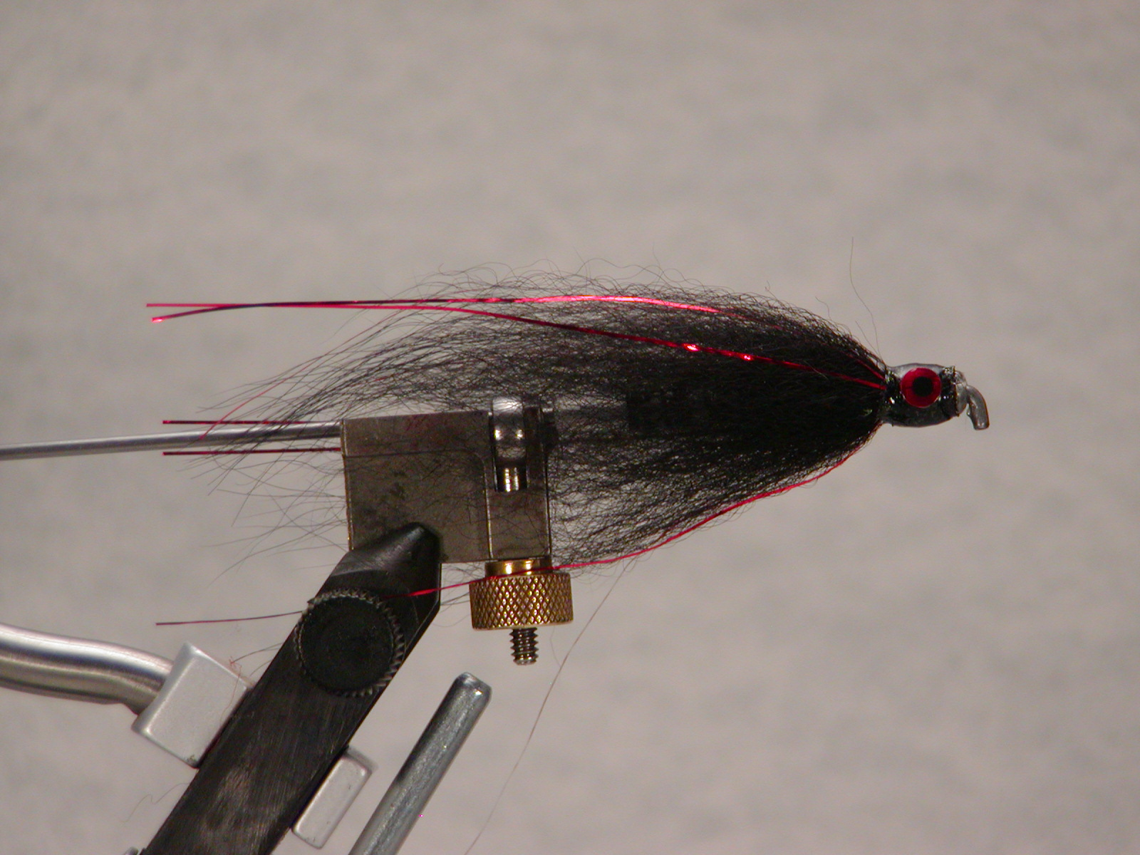 Tube fly black/red flash