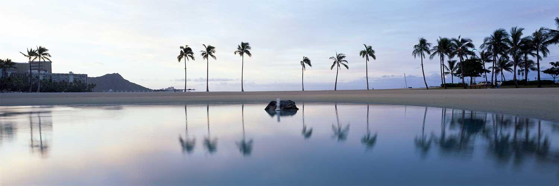 Waikiki Reflections : Oahu