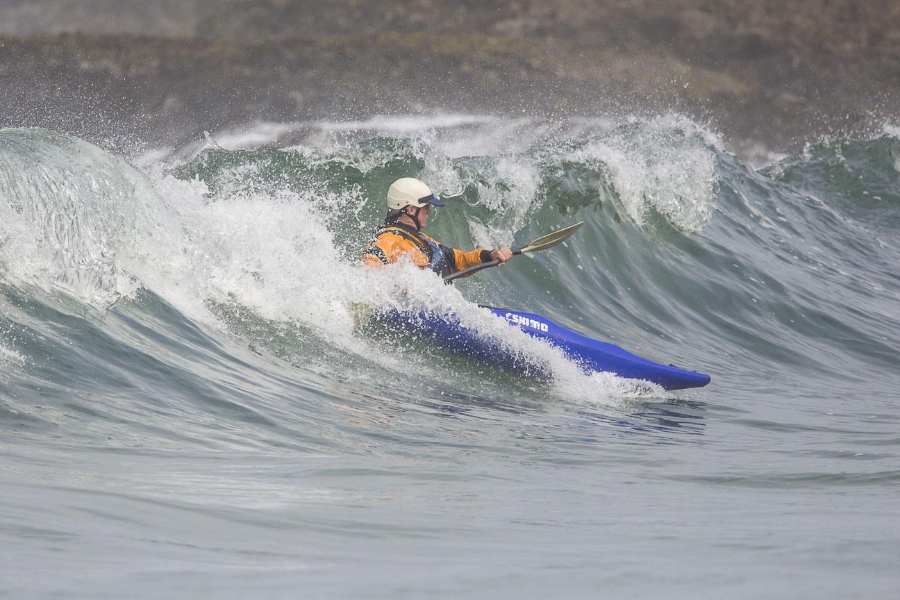 kayak surfing on the mendocino coast