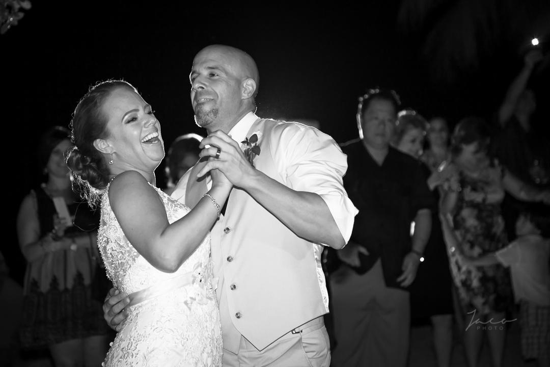 Yvette and Jorge Sneak Peek 0012_.jpg