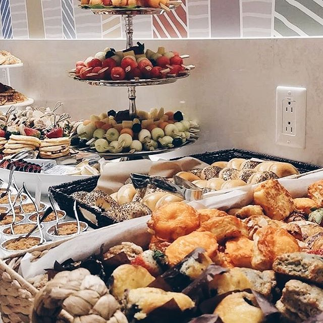 Brunch spread! 🥐🍞🍉🍓🥞 . . . #cinq #cinqfoods #cinqfoodscatering #toronto #torontofood #torontoeats #tofood #foodto #foodtoronto #eventcatering #eventcaterers #torontocaterers #catererstoronto #cateringto #cateringtoronto #foodieto #tofoodie #torontofoodie #instafood #blogto