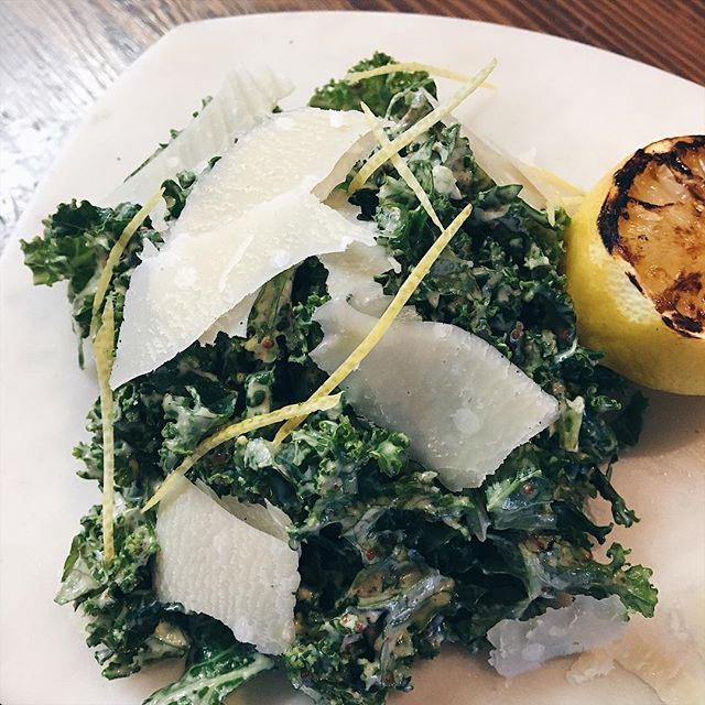 Lunch time greens! 🌱Fresh kale tossed in a creamy caesar dressing topped with lemon zest and shaved reggiano. . . . #kalesalad #kalecaesar #caesarsalad #lunchtime #frenchcuisine #chiffonade #lemonzest #reggiano #cinq #cinqfoods #cinqfoodscatering #toronto #torontofood #torontoeats #tofood #foodto #foodtoronto #eventcatering #eventcaterers #torontocaterers #catererstoronto #cateringto #cateringtoronto #foodieto #tofoodie #torontofoodie #instafood #blogto