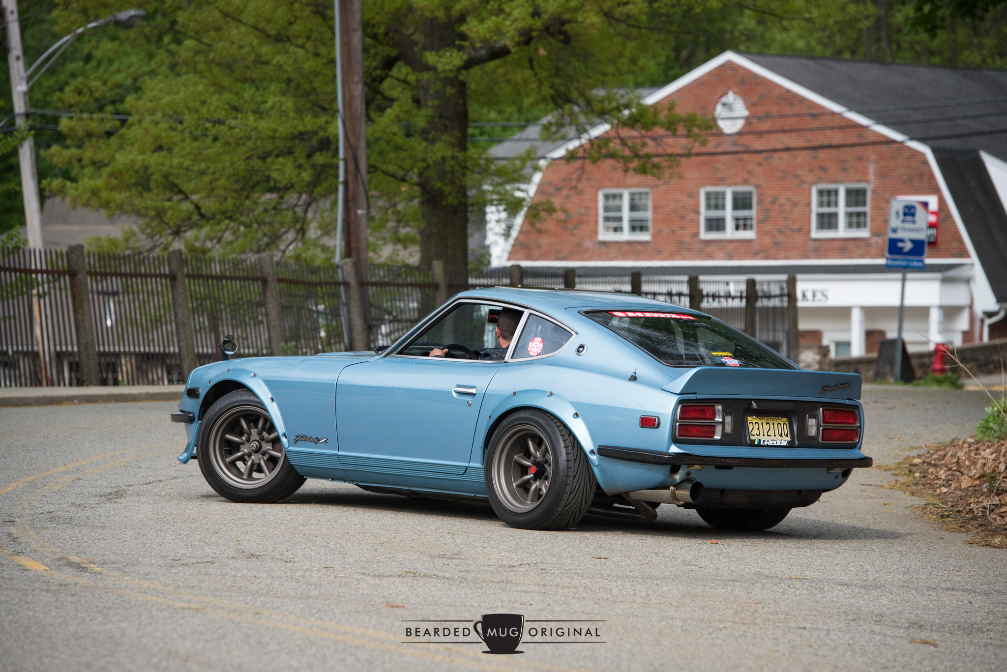 This 280Z complemented the adjacent 240Z.