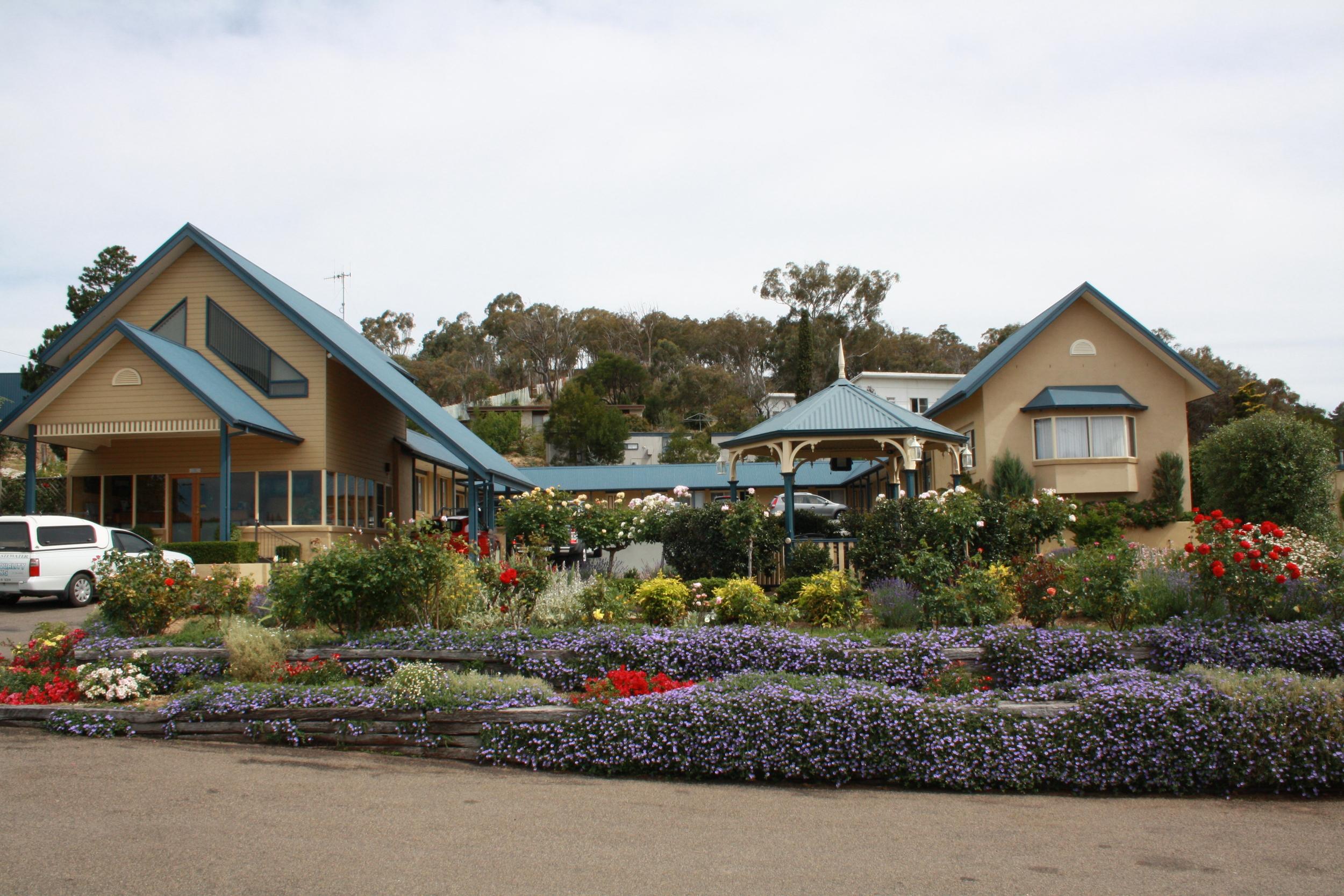 Andrew_Economos_Custom_Builder_Bowral_NSW_Australia_Country_Hotel_1.JPG