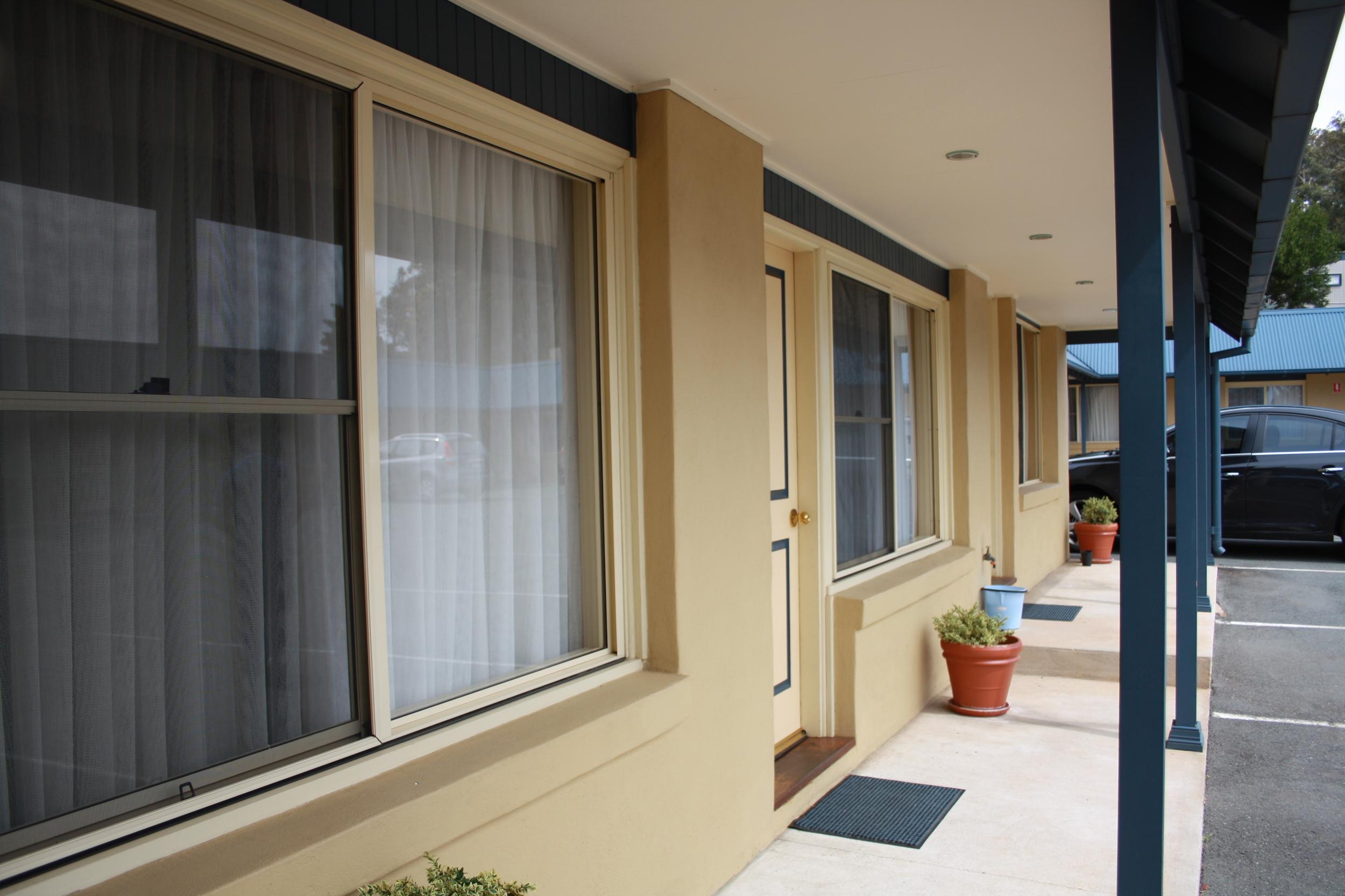 Andrew_Economos_Custom_Builder_Bowral_NSW_Australia_Country_Hotel_3.JPG