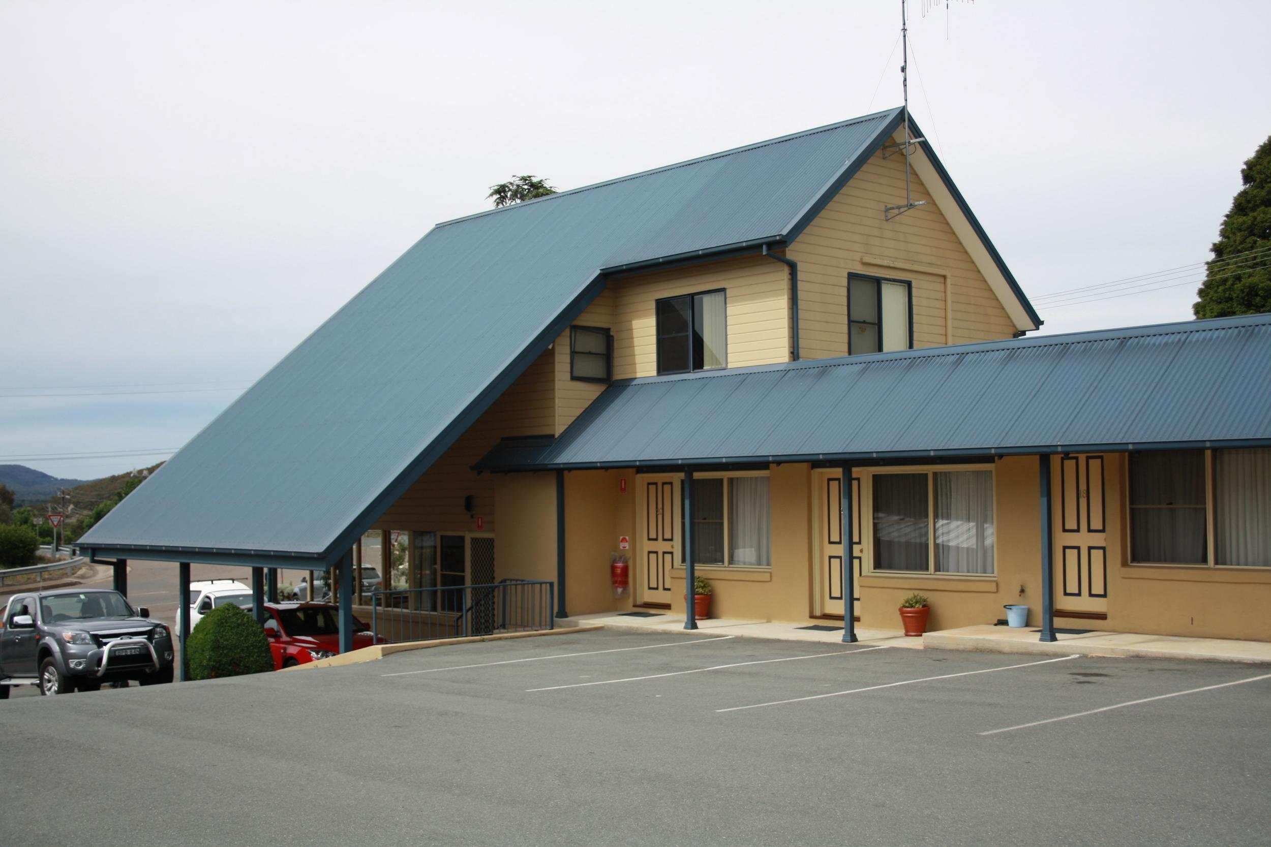 Andrew_Economos_Custom_Builder_Bowral_NSW_Australia_Country_Hotel_6.JPG