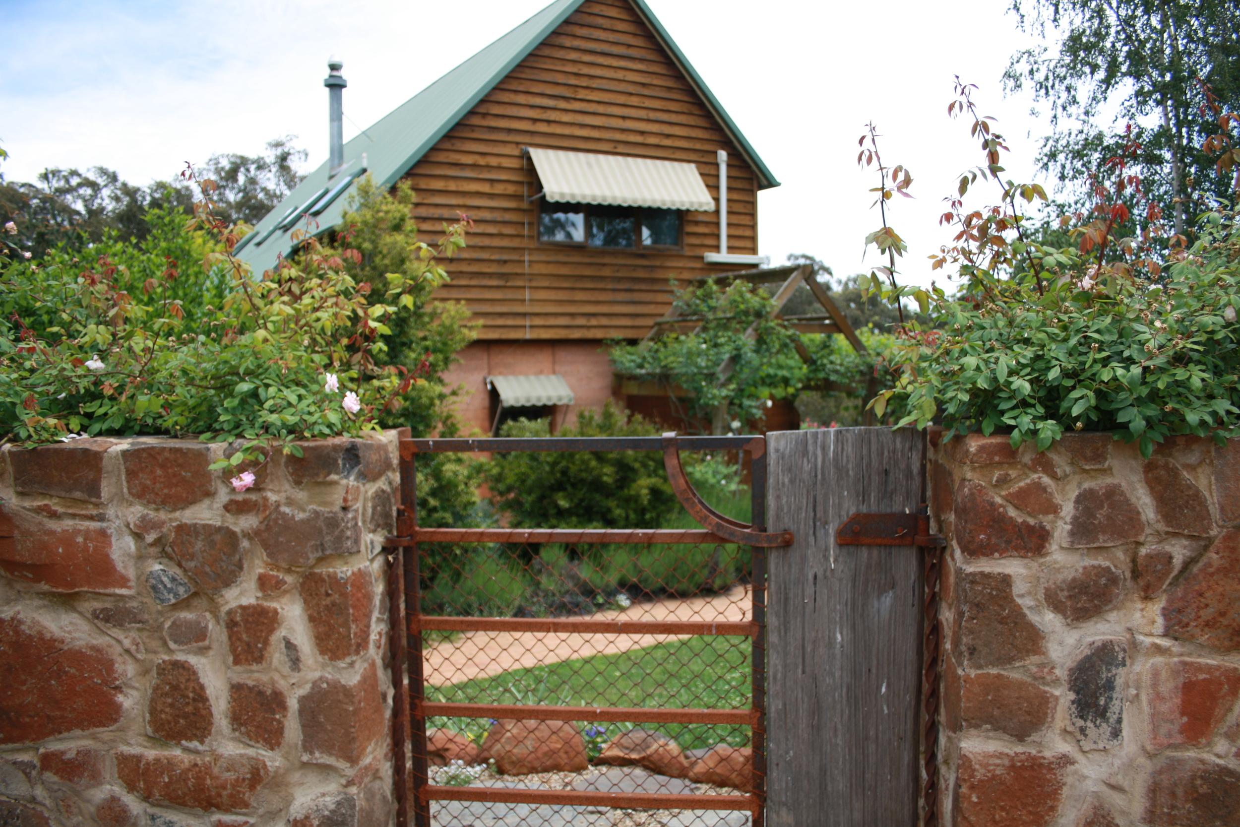 Andrew_Economos_Custom_Builder_Bowral_NSW_Australia_Earth_Home_14.JPG