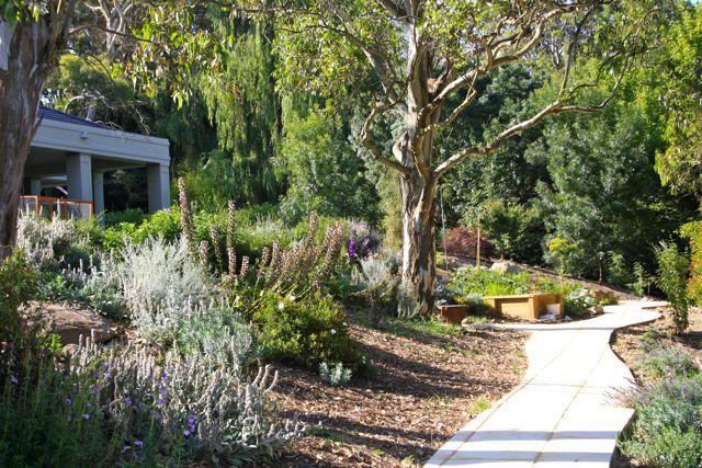 Andrew_Economos_Custom_Builder_Bowral_NSW_Australia_Landscaping_4.jpg