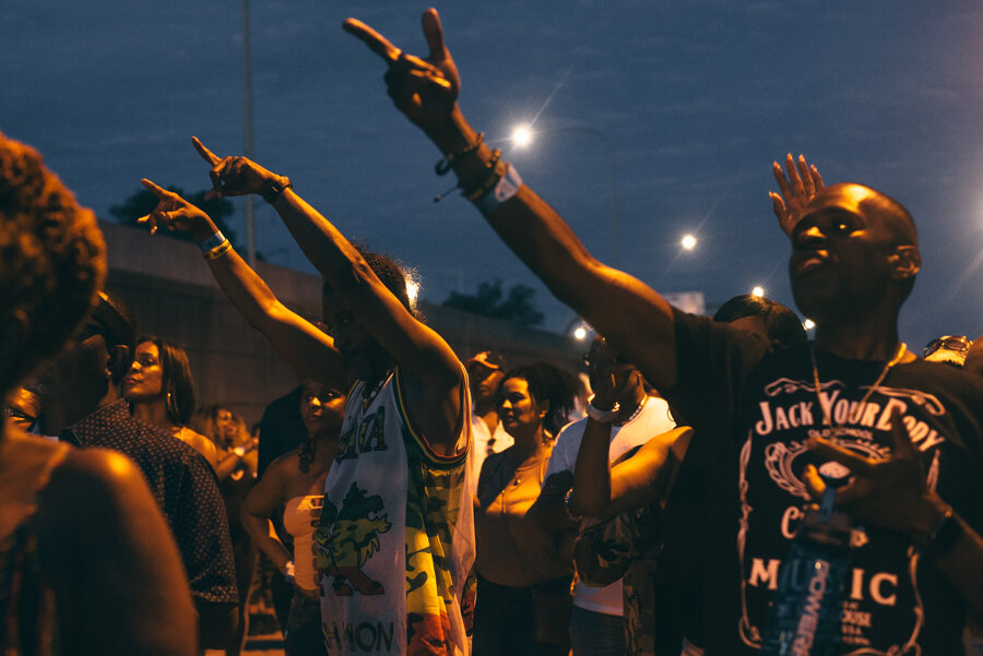 "The crowd listens to 3YB founder Joseph ""Pepe"" Porter speak about Black entrepreneurship."