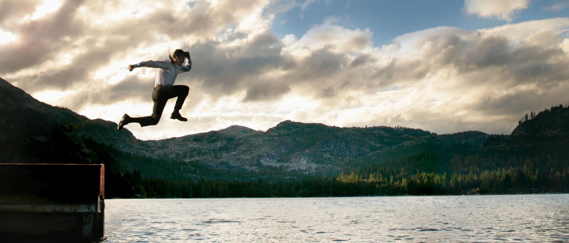 flyingbanner1.jpg