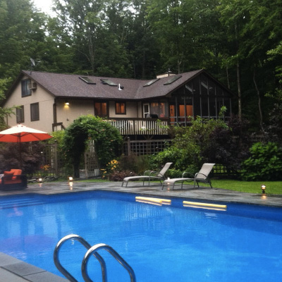 AIRBNB HOME #3019519    Sleeps 10-18 with a Pool House and an Attic. There's a 3nt min. Total of $2,382 for 3 nights