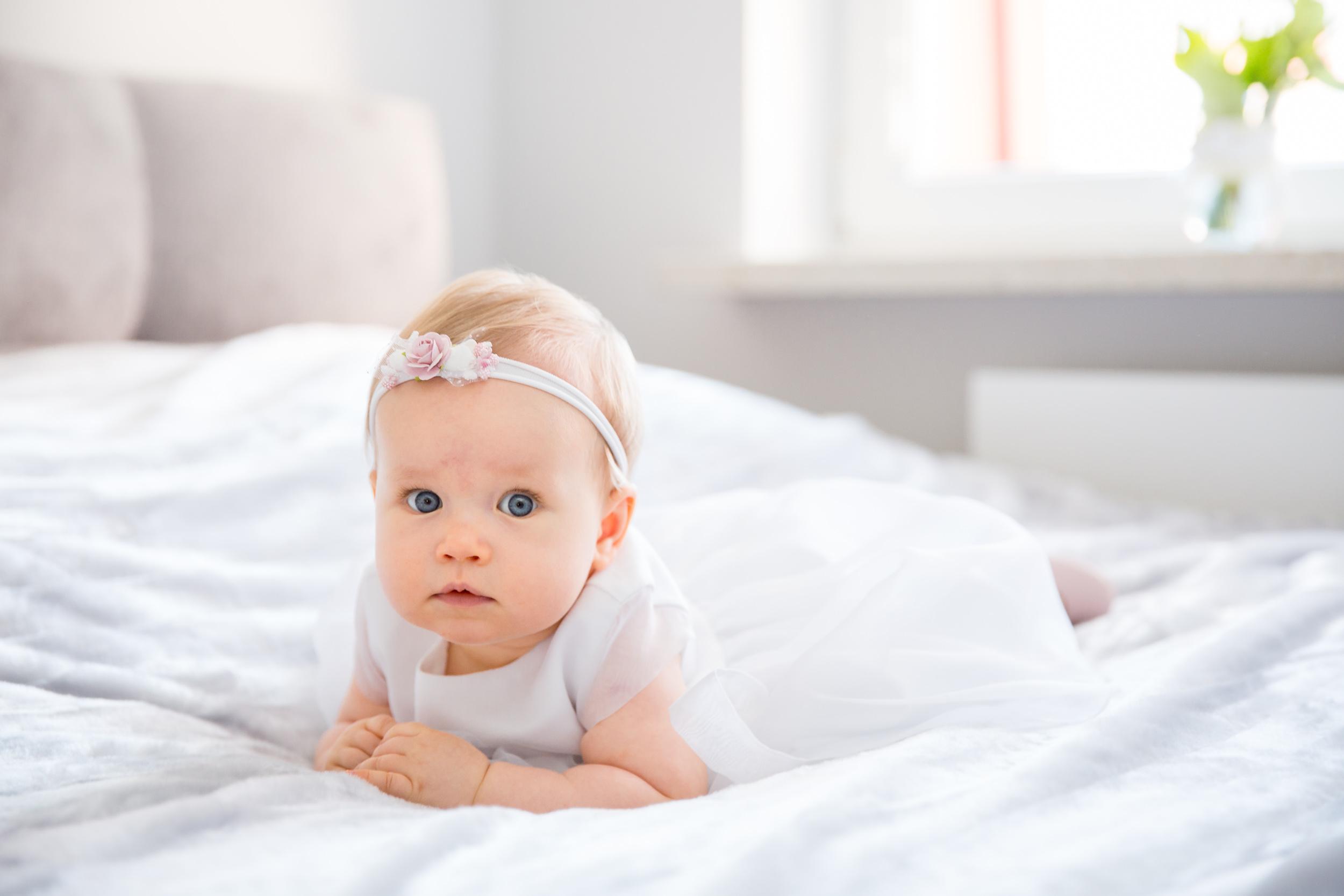 FOTOREPORTAŻ Z CHRZTU ŚWIĘTEGO 400 - 700 PLN - Chrzest Święty to pierwsze ważne wydarzenie w życiu Twojego dziecka. Profesjonalne zdjęcia są pięknym prezentem i pamiątką, która pozwoli mu w przyszłości powracać myślami do tych momentów.