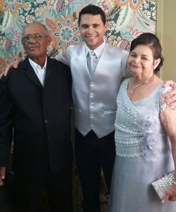 VALDECI, DREI, LUIS  - Mom, Dad, brother