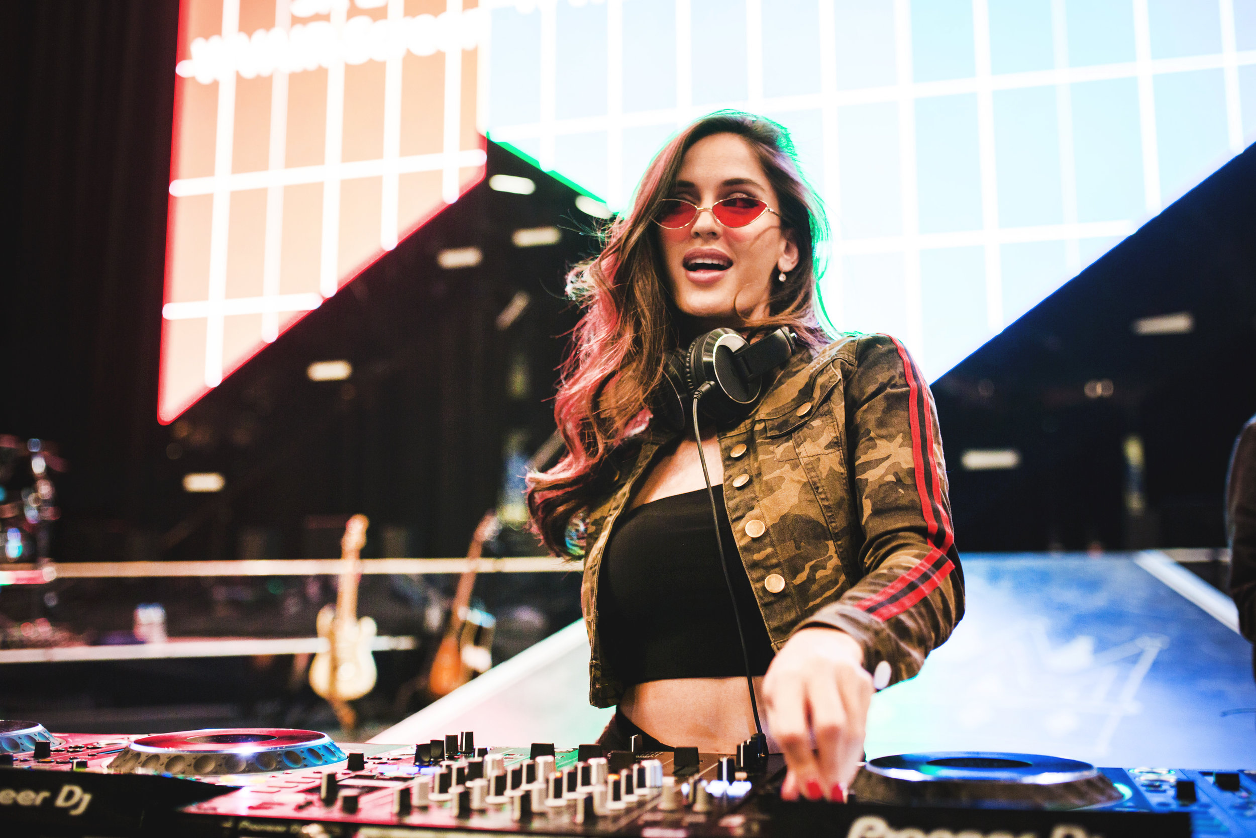 Natalia Barulich and Esther Anaya are a DJ duo featuring live violin and vocals with a heavy dose of good energy. -