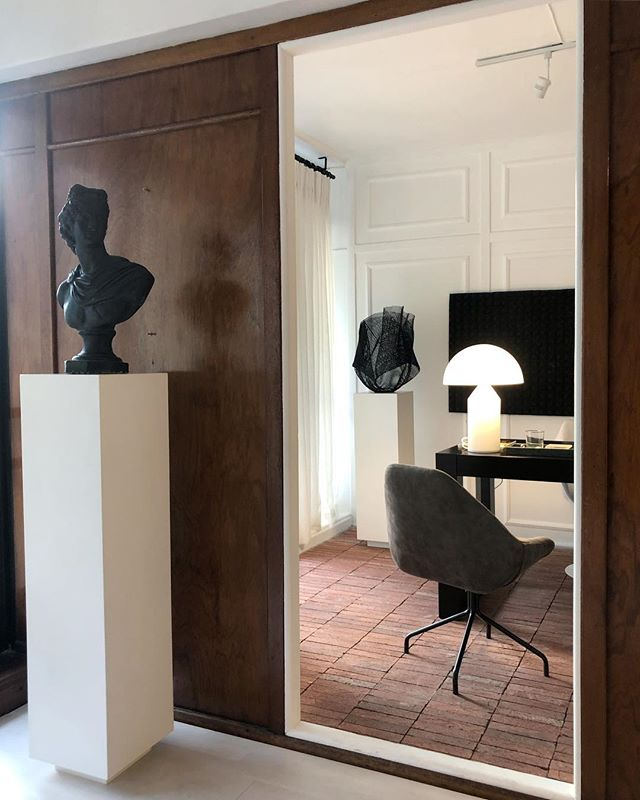 H A P P I N E S S  Wonderful morning light in our studio this morning.  ________________________________  #curation #interiordesign #happiness  www.dylanthomaz.com